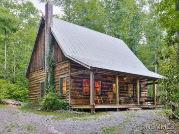 Adorable Cabin Style Ideas For Small House 40