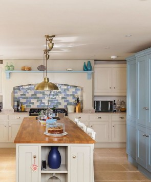 Affordable English Country Kitchen Decor Ideas 16