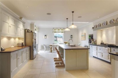 Affordable English Country Kitchen Decor Ideas 37