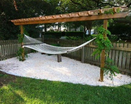 Brilliant Hammock Ideas For Backyard 23