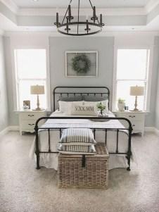Captivating Farmhouse Bedroom Ideas 05