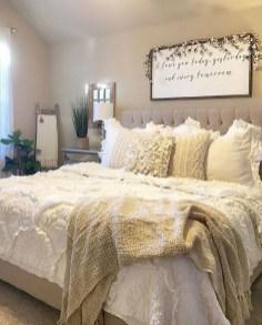 Captivating Farmhouse Bedroom Ideas 29