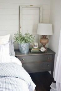 Captivating Farmhouse Bedroom Ideas 31