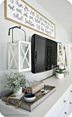 Captivating Farmhouse Bedroom Ideas 36