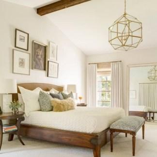 Captivating Farmhouse Bedroom Ideas 44