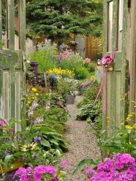 Perfect Home Garden Design Ideas That Make You Cozy 27