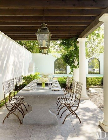 Wonderful Outdoor Dining Room Ideas With Rural Style 06