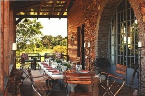 Wonderful Outdoor Dining Room Ideas With Rural Style 20