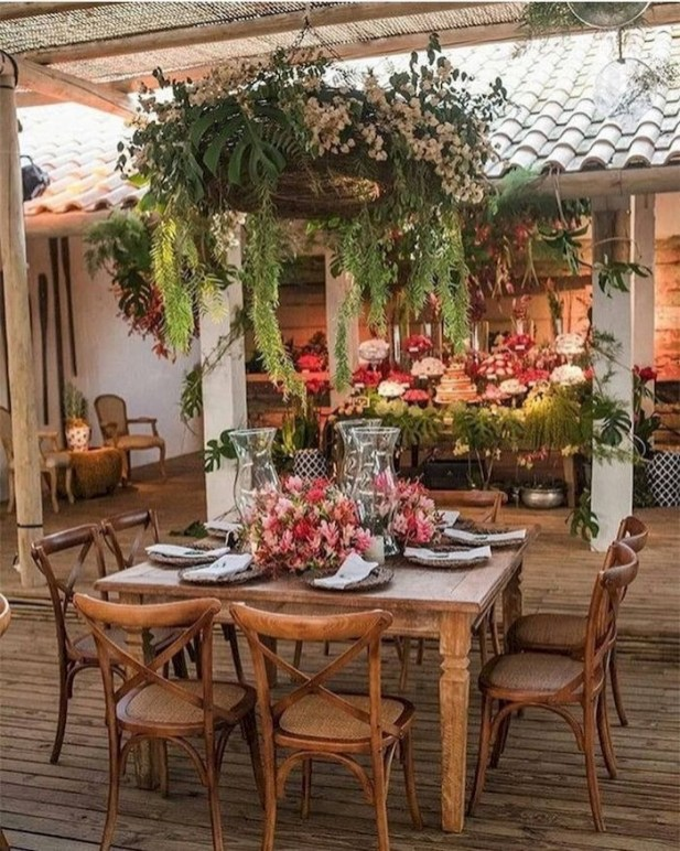 Wonderful Outdoor Dining Room Ideas With Rural Style 39