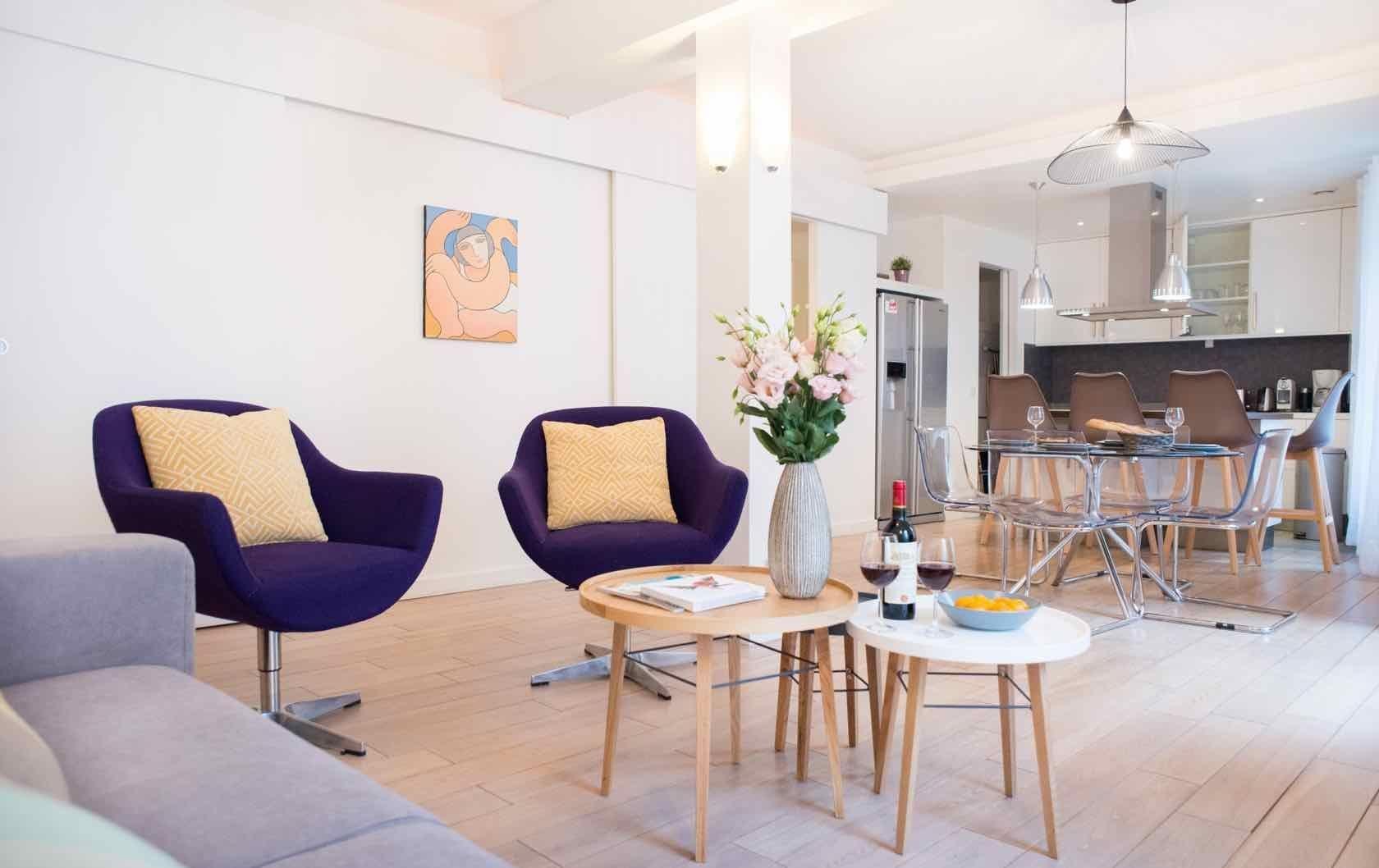 Astonishing Rental Apartment Decorating Ideas 28
