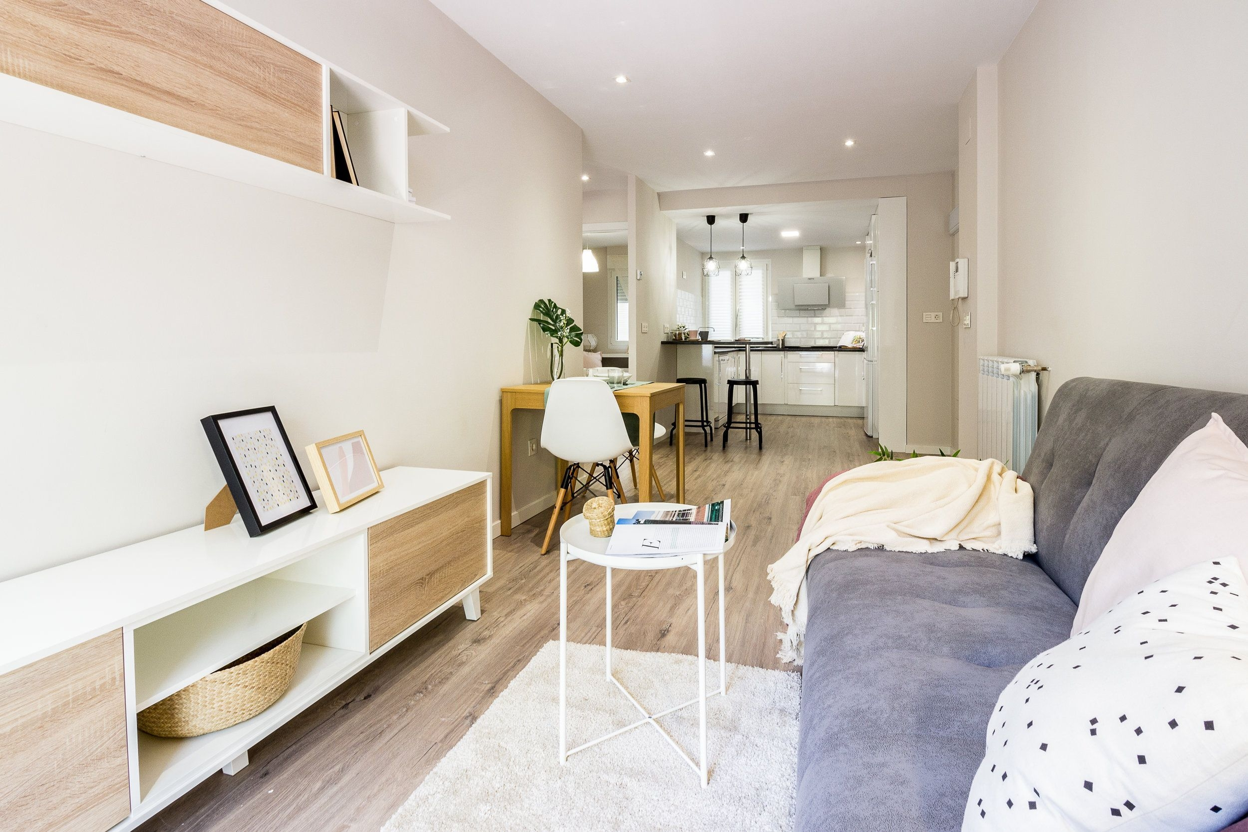 Astonishing Rental Apartment Decorating Ideas 48
