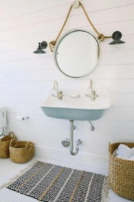 Classy Bathroom Design Ideas With Little Space 39