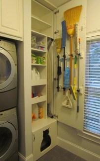 Cozy Laundry Room Storage Design Ideas 38