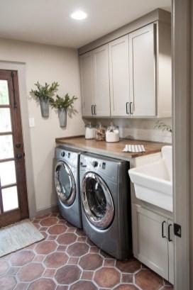 Elegant Laundry Room Design Ideas 07