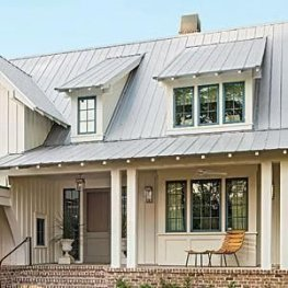 Incredible Farmhouse Exterior Ideas With Metal Roof 03