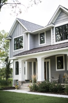 Incredible Farmhouse Exterior Ideas With Metal Roof 28