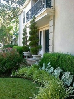 Pretty Front Yard Landscaping Ideas 09