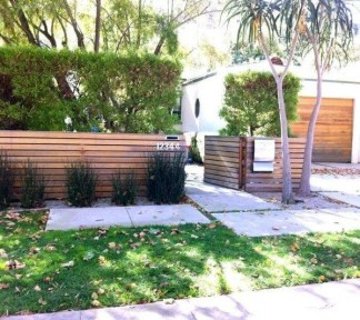 Wonderful Front Yard Ideas With Contemporary Fence 11