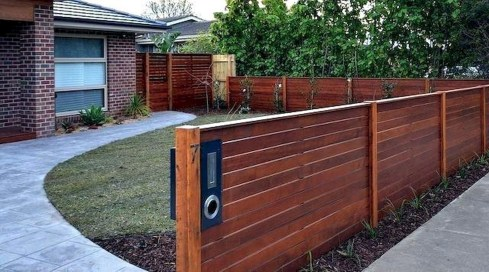 Wonderful Front Yard Ideas With Contemporary Fence 36