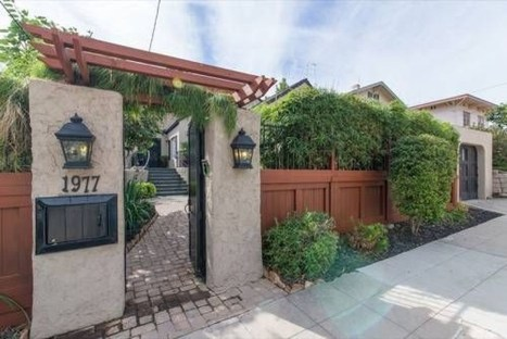 Wonderful Front Yard Ideas With Contemporary Fence 44
