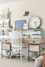 Creative Farmhouse Desk Ideas For The Home Office To Try 18