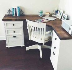 Creative Farmhouse Desk Ideas For The Home Office To Try 21