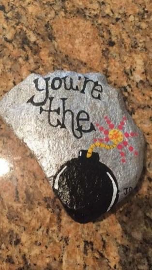 Fascinating Painted Rocks Quotes Design Ideas 40