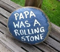 Fascinating Painted Rocks Quotes Design Ideas 47
