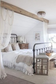 Gorgeous Bedroom Ideas For Couples On A Budget To Try 38