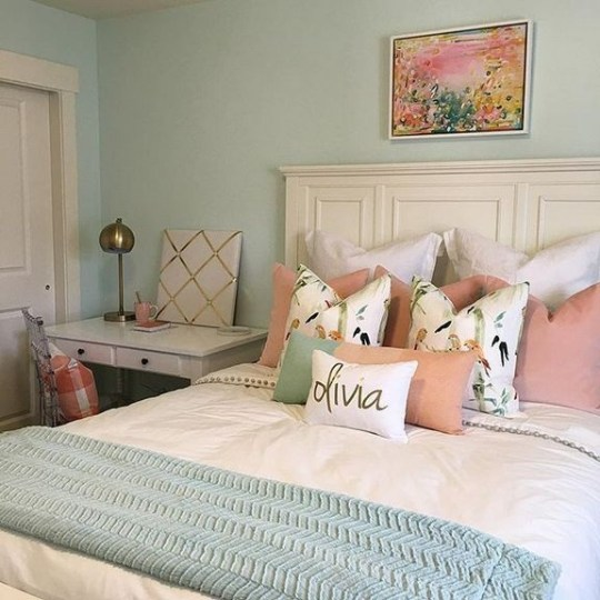 Gorgeous Bedroom Ideas For Couples On A Budget To Try 50
