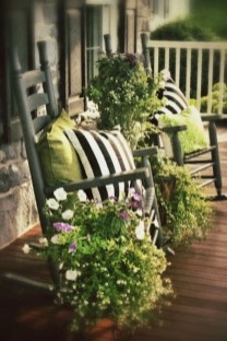 Lovely Summer Decorating Ideas For Front Porch 03