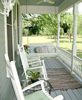 Lovely Summer Decorating Ideas For Front Porch 22