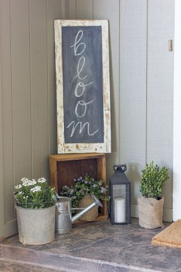 Lovely Summer Decorating Ideas For Front Porch 38