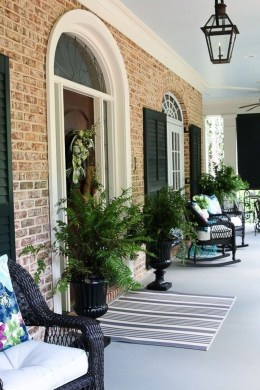 Lovely Summer Decorating Ideas For Front Porch 39