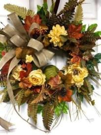 Pretty Summer Wreaths Decor Ideas That Looks Cool 05