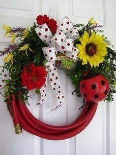 Pretty Summer Wreaths Decor Ideas That Looks Cool 16