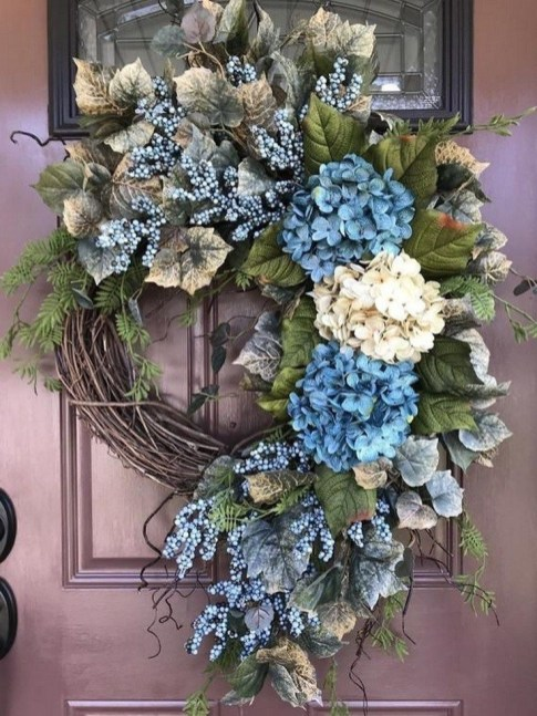 Pretty Summer Wreaths Decor Ideas That Looks Cool 37