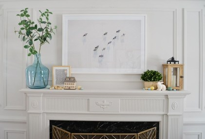 Unique Summer Mantel Decorating Ideas To Try 02