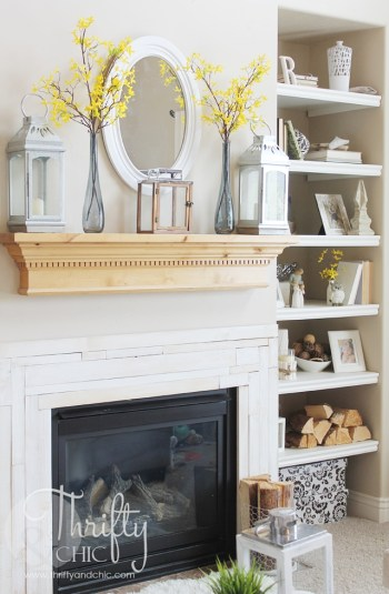 Unique Summer Mantel Decorating Ideas To Try 15