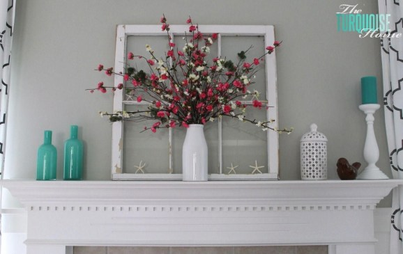 Unique Summer Mantel Decorating Ideas To Try 17