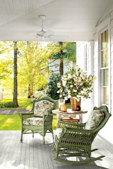 Adorable Green Porch Design Ideas For You 17