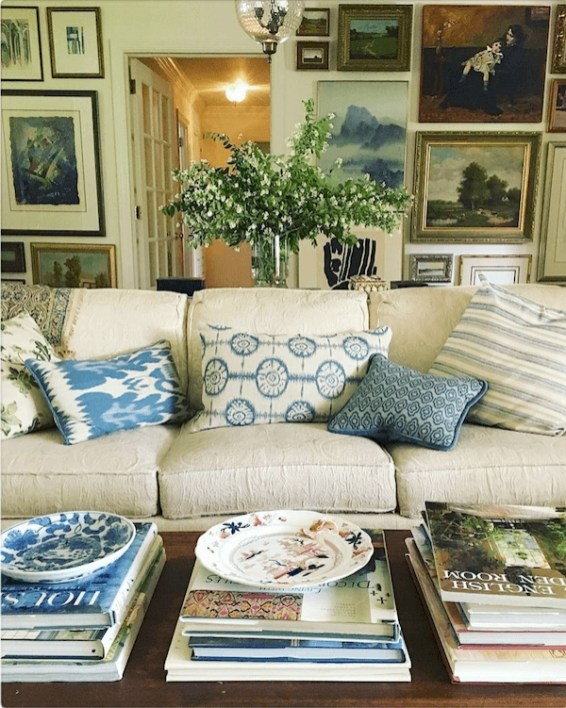 Best Traditional Livingroom Design Ideas To Try 39
