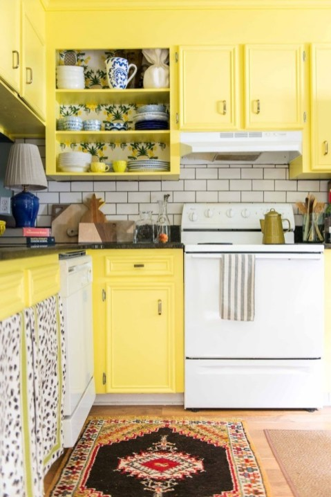 Best Yellow Accent Kitchens Ideas For You 13