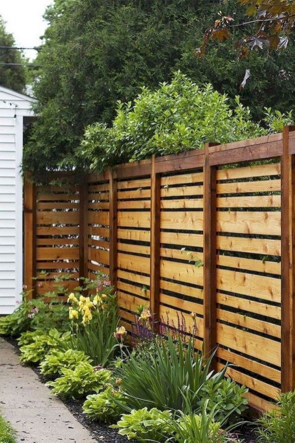 Hottest Fence Design Ideas That You Can Try 40
