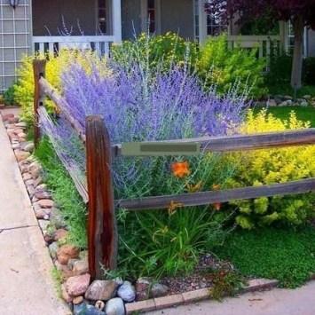 Newest Green Grass Design Ideas For Front Yard Garden 12