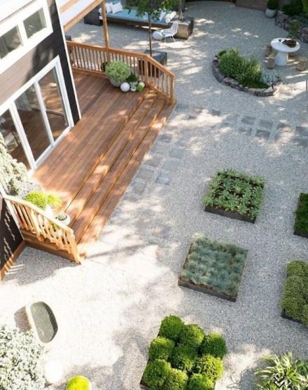 Newest Green Grass Design Ideas For Front Yard Garden 31