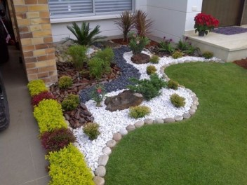 Newest Green Grass Design Ideas For Front Yard Garden 34