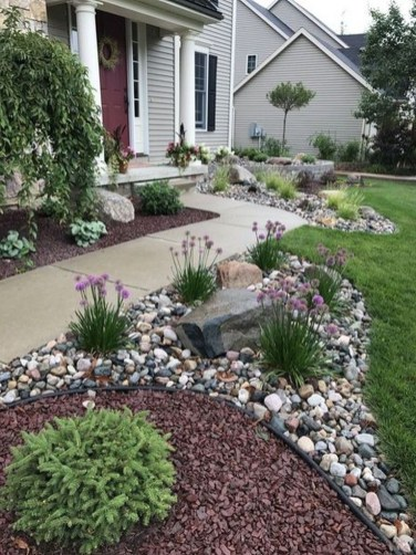Pretty Front Yard Landscaping Design Ideas For You 12
