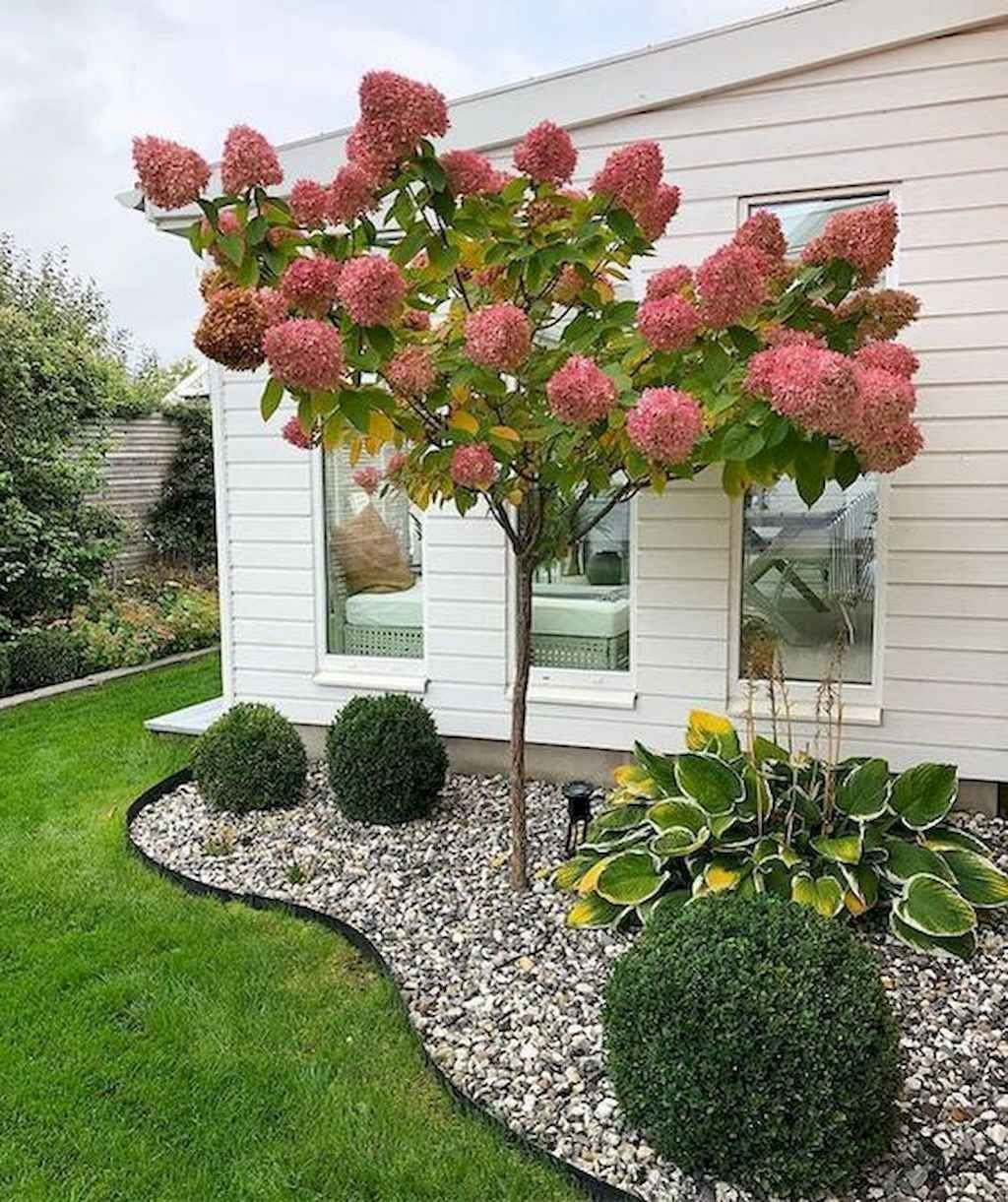 Pretty Front Yard Landscaping Design Ideas For You 17