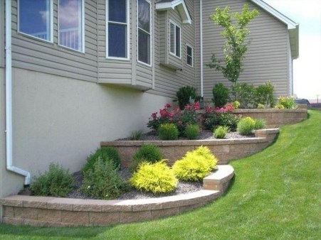 Pretty Front Yard Landscaping Design Ideas For You 31